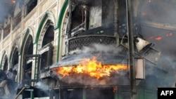 Кашмир штатындағы мұсылмандардың өртенген тарихи мешіті. Сринагар, 25 маусым 2012 жыл.