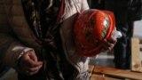 Розмальовані каски, що належали активістам Майдану
