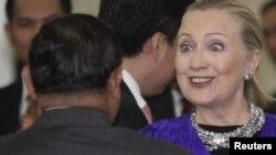 Хиллари Клинтон в Пномпене