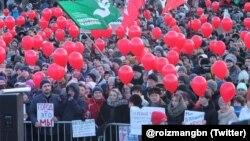 Митинг против отмены выборов мэра в Екатеринбурге