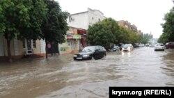 Затопленные улицы после ливня, Керчь, 23 июня 2018 год
