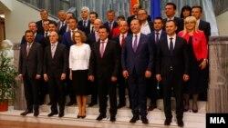 Премиерот Зоран Заев и членови на новата влада.