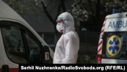 12 хворих медиків працювали у Києві