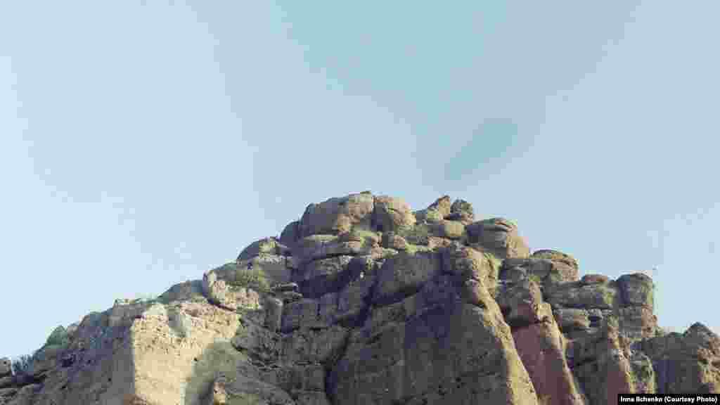Гора Урман-Усту, яка височіє над мисом на 367 метрів