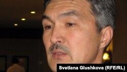 Бас прокуратураның қамалған және сотталған адамдар құқығын қорғауды қадағалау жөніндегі басқармасының бастығы Нұрғалым Әбдіров. Астана, 23 қараша 2011 жыл.