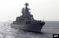 Ресей әскери-теңіз күштерінің «Москва» зымыран тасығыш крейсері Жерорта теңізінің Сирия жағалауына жақын тұсында. 17 желтоқсан 2015 жыл.