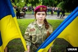 Учасниця церемонії відкриття пам'ятника Івану Мазепі. Полтава, 7 травня 2016 року