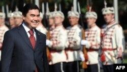 Türkmenistanyň prezidenti Gurbanguly Berdimuhamedow Sofiýada, 27-nji awgust, 2009 ý.