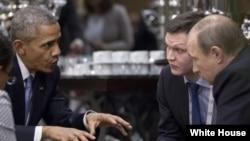 Обама и Путин на встрече в Турции