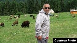 Аббас Насриддинов, блогер из Намангана. Фото с его страницы в Facebook'е.