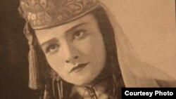 Сание Налбандова