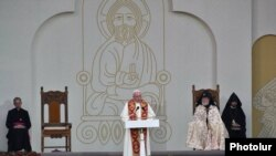 Armenia - Pope Francis speaks at an ecumenical service at Republic Square in Yerevan, 25Jun2016