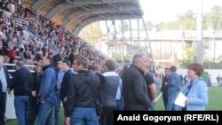 В резолюции внеочередного съезда «Амцахара» на сухумском стадионе «Динамо» 21 октября было сказано, что в случае отказа президента Абхазии уйти в отставку «в ближайшие дни» будет созван всенародный сход