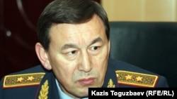 Ішкі істер министрі Қалмұханбет Қасымов.