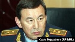 Министр внутренних дел Казахстана Калмуханбет Касымов. Мангистауская область, 18 декабря 2011 года.