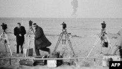 دا د جنوبي صحارا دښتې منظر دی. هلته په ۱۹۶۰ز کال کې فرانسې اټومي ازموینه کړې وه.