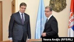 Pamje nga një takim i mëhershëm i Vuçiqit (majtas) me kryeprokurorin Brammertz në Beograd