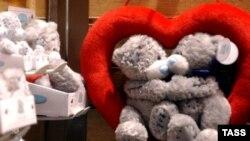 Когда же еще говорить о любви к президенту, как ни в День всех влюбленных, посчитали чиновники