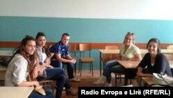 Srpski studenti na seminaru u Prištini