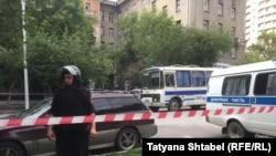 Полиция у штаба Навального в Новосибирске