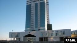 Здание правительства Казахстана в Астане.
