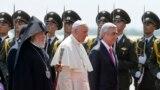 Roma Papası Ermənistana gəldi- [video]