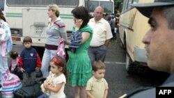 Ляна Гаглоева вспоминает, как тяжело ей и тысячам других осетинских беженцев из Грузии было начинать жизнь с чистого листа. Трудно давалось обустройство на исторической родине