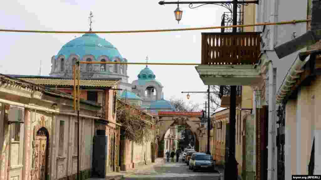 Дорога до Свято-Миколаївского собору