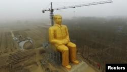 Статуя Мао Цзэдуна в провинции Хэнань. 4 января 2016 года.