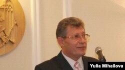 Acting President Mihai Ghimpu