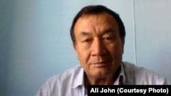Али Джон.