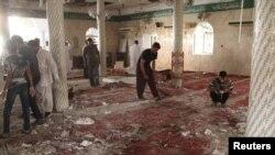 У мечеті після вибуху, 22 травня 2015 року