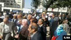 Retirees, mostly teachers came out on October 16 to protest in major Iranian cities.