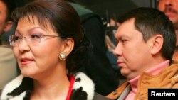 Дарига Назарбаева күйөөсү Рахат Алиев менен. 4.12.2005