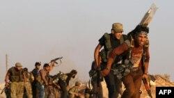 Pjesëtarë të Ushtrisë së Lirë Siriane që luftojnë kundër regjimit të presidentit Bashar al-Assad