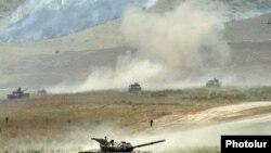 Корректный учет вооружений армии непризнанного Нагорного Карабаха остается одной из немногих реальных проблем выполнения ДОВСЕ. Последний демарш Москвы с ней не связан никак