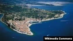 Piranski zaljev, granica između Hrvarske i Slovenije