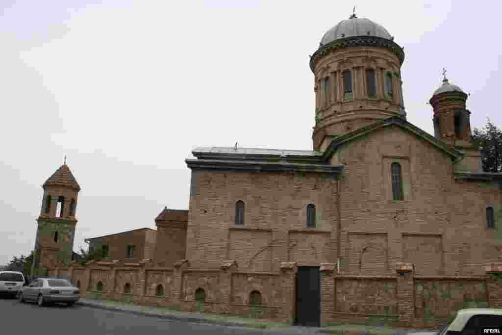 Горийский кафедральный собор, резиденция епископа Самтависского и Горийского Андриа (Гвазава).