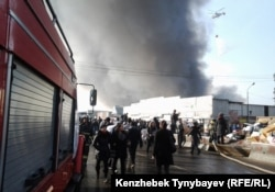 Барахолкадағы «Құлагер» базарындағы өрт. Алматы, 17 қараша 2013 жыл.