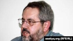 Девин ДеВиз, исследователь истории религии Центральной Азии, ученый университета Индианы.