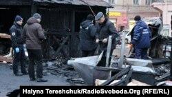 Вдень 22 грудня на різдвяному ярмарку у Львові унаслідок вибуху загорілася одна з хатинок. Через інцидент постраждали п'ять людей, чотирьох із них шпиталізували