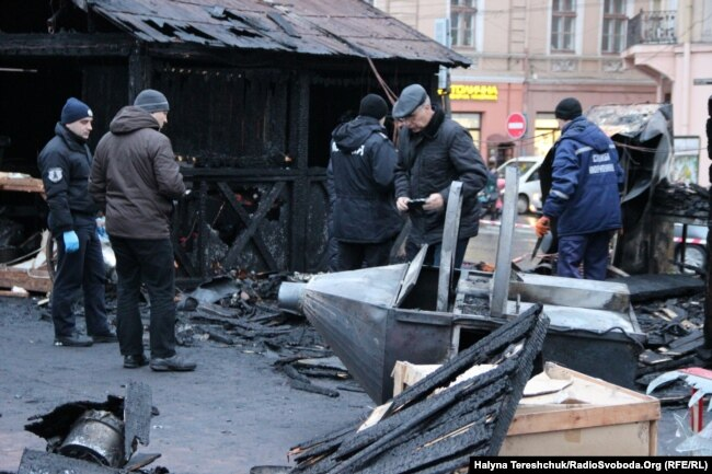 Поліція працює на місці вибуху у Львові, 22 грудня 2018 року