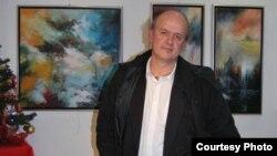 Изложба на македонскиот уметник Емил Шулајковски.