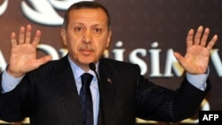 Turkey - Turkish Prime Minister Recep Tayyip Erdogan gestures during a press conference in Istanbul, 23Dec2011