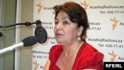 Milli Məclisin deputatı Rəbiyyət Aslanova, AzadlıqRadiosu-nun efirində (arxiv fotosu)