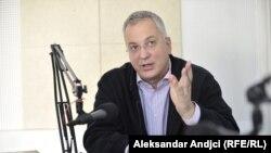 Dragan Šutanovac bi trebalo da pokuša da okupi oko zajedničke ideje brojne lidere partija građanske i proevropske orijentacije koje su uglavnom nastale iz DS-a