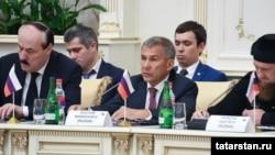 "Рөстәм Миңнеханов ""Русия – Ислам дөньясы"" төркеме утырышында"