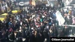 Демонстрация протеста против роста цен в городе Нишгабур, 29 декабря 2017 года.