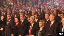 Прослава по повод 100 годишнината од албанската независност. Вицепремиерот Муса Џафери, лидерот на ДУИ Али Ахмети, премиерот на Албанија Сали Бериша и премиерот на Косово Хашим Тачи.