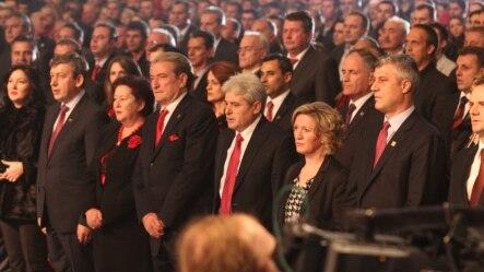 Premijeri Albanije i Kosova, Salji Beriša i Hašim Tači, na proslavi u Skoplju, 25. novembar 2012.